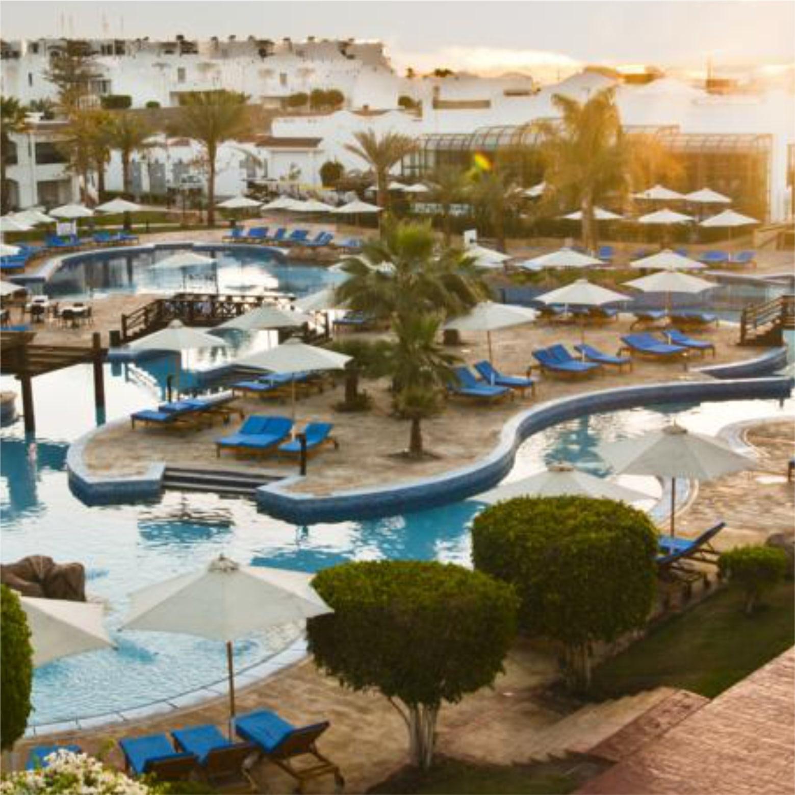 территория отеля Hilton Sharm Dreams Resort