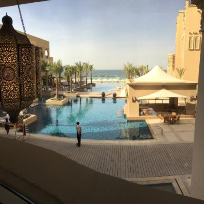 Sheraton Sharjah Beach Resort and Spa бассейн