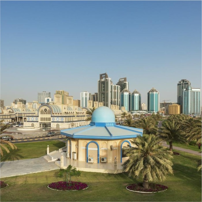 Sheraton Sharjah Beach Resort and Spa двор